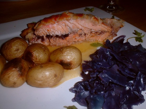 salmon en croute meal