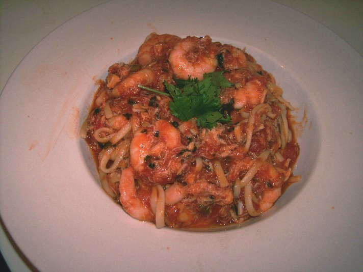 crab and prawn linguine