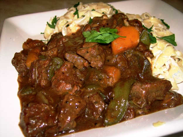 cephalonian beef casserole